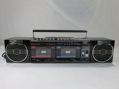Vintage Magnavox Compo Soundmachine Stereo Radio Receiver Boombox Model D8567 | eBay