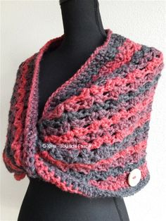 #Omslagdoek #sjaal #haakpatroon #patroon #haken #gehaakt #crochet #pattern #scarf #shawl #poncho #DIY #schouderwarmer #gedraaid #twist