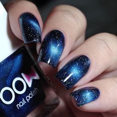 This is a deep blue shimmer magnetic nail polish to give you delightful painted nails with an awesome design. Collection: Magnetic Recommended 2 coats or 1 coat over a black base. Magnets are sold sep