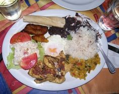 casado typical costa rican food Costa Rica Daily Photo   Casado the Typical Costa Rican Meal