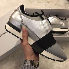 My babes #balenciaga #sneakers #grey #black #white #love #shoes #shoecam   Instagram: n.aky29