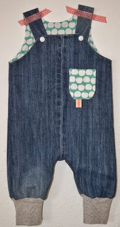 Kinderhose aus alter Jeans / Kid's trousers made from old pair of jeans / Upcycling
