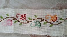 Cross Stitching, Cross Stitch Embroidery, Embroidery Patterns, Cross Stitch Designs, Cross Stitch Patterns, Bordado Tipo Chicken Scratch, Stitch Doll, Cross Stitch Boards, Bargello