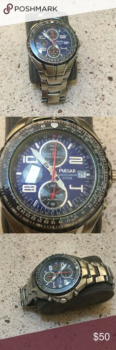 Mens pulsar watch Nice men's watch.. needs a battery and wound up Pulsar Other