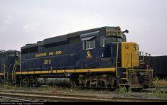 RailPictures.Net Photo: C&O 3032 Chesapeake & Ohio (C&O) EMD GP30 at Blue Island, Illinois by Tom Farence