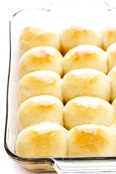 These 1-Hour Dinner Rolls are simply the best. They're easy to make, perfectly soft and buttery, and so comforting and delicious. Perfect for the holidays or any delicious weeknight dinner. | Gimme Some Oven #rolls #bread #dinner #recipe #side #thanksgiving #easter #christmas #holiday #easy Quick Dinner Rolls, Homemade Dinner Rolls, Dinner Rolls Recipe, Easy Homemade Rolls, Easy Rolls, Homemade Breads, Super Easy, Buttermilk Yeast Rolls Recipe, Best Yeast Rolls