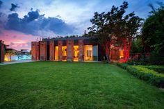 Transformation de deux Toulousaines en une maison passive. Seuil Architecture. Toulouse, France