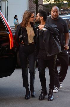 Bella Hadid & The Weeknd Bella Hadid & The Weeknd Bella Hadid Outfits, Bella Hadid Style, Abel And Bella, Fashion Bella, Famous Couples, Young Love, The Weeknd, Cute Couples, Autumn Winter Fashion