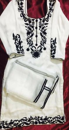 Embroidery Suits Punjabi, Embroidery Suits Design, Embroidery Dress, Indian Attire, Indian Wear, Kurta Designs, Blouse Designs, Unisex Fashion, Womens Fashion