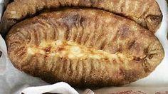 Aidon karjalanpiirakan tunnistaa rukiisesta taikinasta. Näillä ohjeilla leivot perinteiset piirakat.
