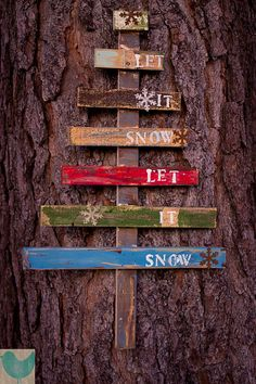 Dishfunctional Designs: Art From Reclaimed Wood Shipping Pallets christmas Xmas tree wall sign