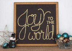 Joyful DIY Wall Decor | Such a festive Christmas craft!