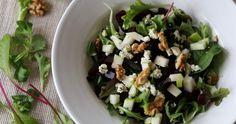 Een frisse salade gecombineerd met de aardse smaken van de biet, een crunch van walnoten en een zoutje van de danish blue. De perfecte herfstachtige maaltijdsalade Salads