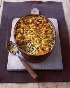 Creamy chicken, chive and mustard gratin recipe. This is a really comforting dish with a flavoursome, creamy filling and a crunchy topping. Perfect if you have some mustard and stale bread to use up. Tartiflette Recipe, Cooking Recipes, Healthy Recipes, Cooking Ideas, Free Recipes, Delicious Magazine, Creamy Chicken, Main Meals, Family Meals