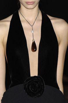 Armani Privé Lo stile è la veste del pensiero  seguici sulla nostra bacheca... diventa nostra fan... Luxury Moda donna fashion chic glamour
