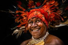 Papua New Guinea tribes from Chimbu Province ∞ ANYWAYINAWAY