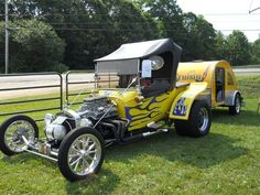 1923 T-Bucket Ford with camper