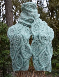 Water Diamonds Scarf and Cowl by Kristi Holaas | malabrigo Worsted in Water Green