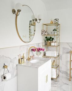 28 Enviable Bathrooms That Are Almost Too Good To Be True