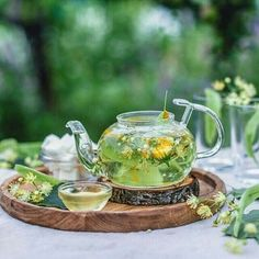 Technologies in the kind of tea teapots that are marketed today are significantly establishing, ranging from the form of the deal with to the product. Pause Café, Flower Tea, Tea Art, Aesthetic Food, Tea Recipes, Drinking Tea, Afternoon Tea, Tea Time, Herbalism