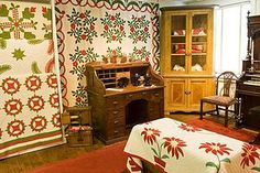 Quilts at Packwood Museum #quiltguilds Ice Breaker Games, Needlework, Museum, Quilts, Embroidery, Sewing, Couture, Handarbeit, Quilt Sets