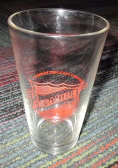 """VINTAGE PICCADILLY PUB """"BEST PLACE NEXT TO HOME"""" CONICAL BEER PINT GLASS, GUC"""