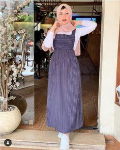 casual Cute Fashion Girls hijab trendy fashion casual trendy hijab girls cute is part of Hijab fashion - Hijab Style Dress, Modest Fashion Hijab, Street Hijab Fashion, Muslim Fashion, Hijab Outfit, Modest Dresses, Modest Outfits, Maxi Dresses, Hijab Sport