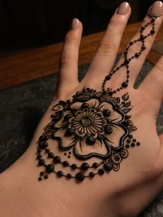 Flower henna! Design inspired by @mehndikajoeyhenna on instagram!