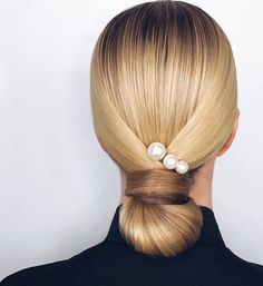 Wedding hair inspo featuring beautiful pearls via . Pigtail Hairstyles, Braided Hairstyles, Lower Bun Hairstyles, Elegant Hairstyles, Wedding Hairstyles, Bridal Hairstyle, Hairstyle Braid, Hairstyle Ideas, Hair Accessories For Women