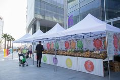 Ripe Organic Stand looking gorgeous with organic fruits and veggies at Ripe Design Market in Dubai Design District. #ripemarket #ripedesigmarket #marketvendors #ripeorganic #ripefresh #organic #dubai #dubaimarkets #mydubai #whenindubai #organic #vendors #market #farmersmarket #farm #fresh #local #UAE