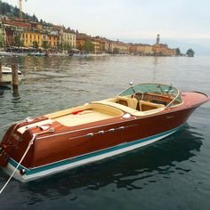 Riva CRUISING day @ Salò #riva Best Boats, Cool Boats, Riva Boot, Riva Yachts, Wooden Speed Boats, Chris Craft Boats, Runabout Boat, Classic Wooden Boats, Boat Projects