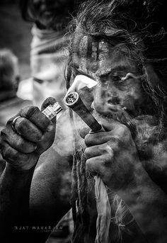 bholenath shiva quotes in hindi ; Shiva Tandav, Rudra Shiva, Shiva Linga, Shiva Statue, Lord Shiva Hd Wallpaper, Smoke Pictures, God Pictures, Wis Khalifa, Aghori Shiva