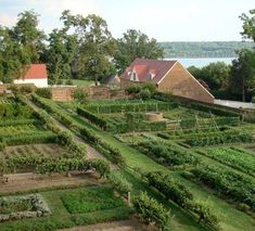 Kitchen garden at Mount Vernon.  Guests can visit the mansion, more than a dozen original structures, Washington's Tomb, and nearly 50 acres of his extensive plantation. The estate also includes a working blacksmith shop and the Pioneer Farm, a 4-acre demonstration farm with a reconstructed slave cabin and 16-sided treading barn.