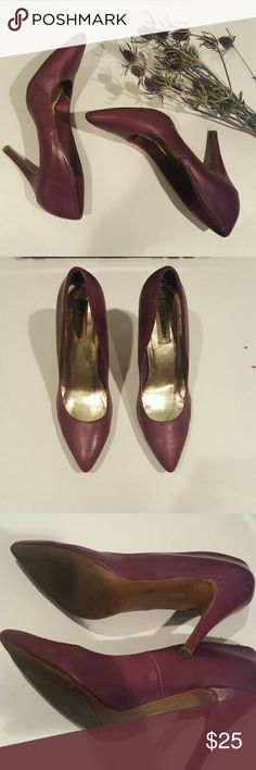 Steve madden purple leather heels Purple genuine leather pumps from Steve madden. These are worn but in good condition. Heel is just about 4 inches Steve Madden Shoes Heels
