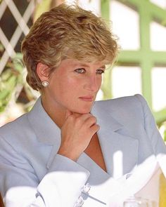 10 July 1993: Princess Diana visits the headquarters of 'Help The Aged' Charity in Harare, Zimbabwe.