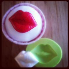 Valentine kiss cupcakes
