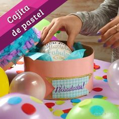 Caja de Pastel – Diy Gifts For Friends Diy Gifts For Friends, Diy Crafts For Gifts, Crafts For Kids, Cute Birthday Gift, Birthday Diy, Diy Cadeau Noel, Diy Gift Box, Creative Gifts, Boyfriend Gifts
