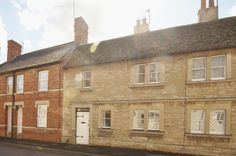 House to rent in Cricklade, Swindon, Wiltshire - £595pcm. Situated moments from the high street of this popular town is this two bedroom character property. The accommodation comprises living room w...