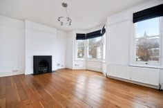 A well proportioned three bedroom flat found on the top two floors of this converted period property. This lovely property comprises of a generous sitting room, modern fitted eat in kitchen, family bathroom and three bedrooms.