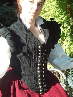 Middle Class Doublet and Kirtle (2003) | Sempstress: padded rolls