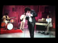 Jimmy Fallon does a killer impression of Jim Morrison of The Doors singing Reading Rainbow!!