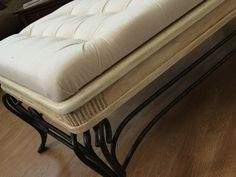 Tufted coffee table with chalk paint Old Coffee Tables, Canvas Drop Cloths, Vanity Bench, Chalk Paint, Couch, Diy, Furniture, Home Decor, Antique Coffee Tables