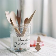 Heart Handmade UK: Using Bonne Maman Jars For Storage in the Craft Room Pots, Alcoholic Cocktails, Vintage Picnic, Kitchenware, Tableware, Kitchen Corner, Kitchen Tools, Cocktail Menu, Breakfast Toast