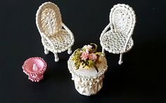 Paper quilled White vintage Dollhouse Miniature furniture, Patio set, Table and Chair set, Fairy Garden, Diy Quilling Crafts, Origami And Quilling, 3d Quilling, Quilling Tutorial, Paper Quilling Designs, Quilling Patterns, Paper Crafts, Paper Art, Diy Paper