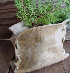 Pottery Burlap Sack Planter - I had this on my radar back in the beginning of my pottery pursuit and have to make it Mustdoit! click now for more info. Hand Built Pottery, Slab Pottery, Pottery Vase, Ceramic Pottery, Ceramic Art, Beginner Pottery, Pottery Ideas For Beginners, Pottery Handbuilding, Burlap Sacks