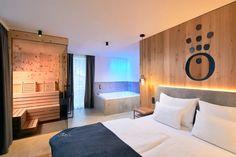 Urlaub gewinnen: Auszeit in der HOCHKÖNIGIN - The Chill Report Das Hotel, Hotels, Mountain Resort, Salzburg, Hotel Reviews, Furniture, Home Decor, Relaxing Room, Time Out
