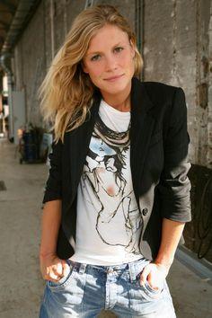 Sophie Hilbrand www. Famous Models, Famous Celebrities, Celebs, Tough Woman, Dutch People, Dutch Women, Photography Women, Role Models, Girl Power