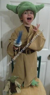 48eaeb995a0 Coolest Homemade Star Wars Yoda Halloween Costume Idea