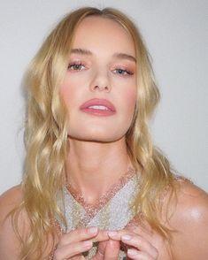 Found: 18 Anti-Aging Beauty Secrets Kate Bosworth Swears By Beauty Secrets, Beauty Hacks, Baby Blonde Hair, Bobbi Brown Skin Foundation, Fall Hair Colors, Kate Bosworth, Grunge Hair, Beauty Routines, Eye Color