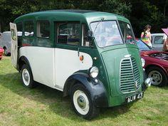 Morris Commercial Van J type 10 cwt - 1957 Commercial Van, Commercial Vehicle, Cars Uk, All Cars, Vintage Vans, Civil Aviation, England Uk, Ambulance, The Good Old Days